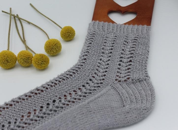 Gestrickte Socken Elinor Socks (8)