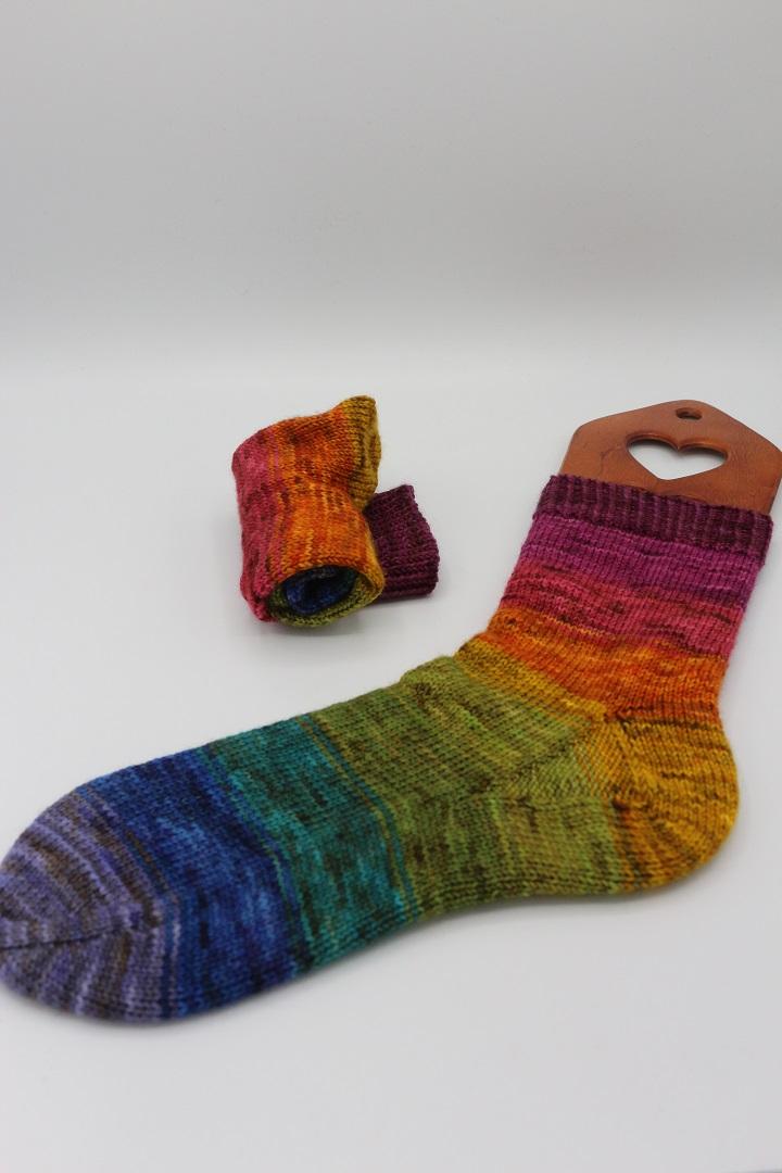 Toe Up Regenbogen Socken (1)