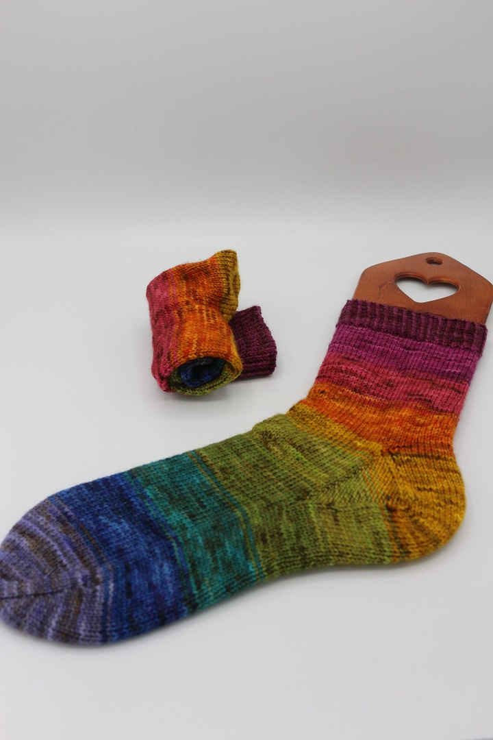 Toe Up Regenbogen Socken (1)