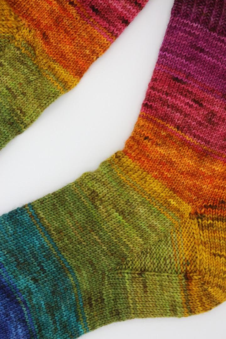 Toe Up Regenbogen Socken (5)