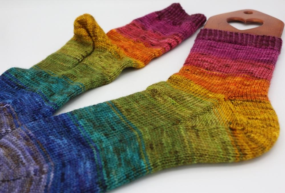 Toe Up Regenbogen Socken (7)
