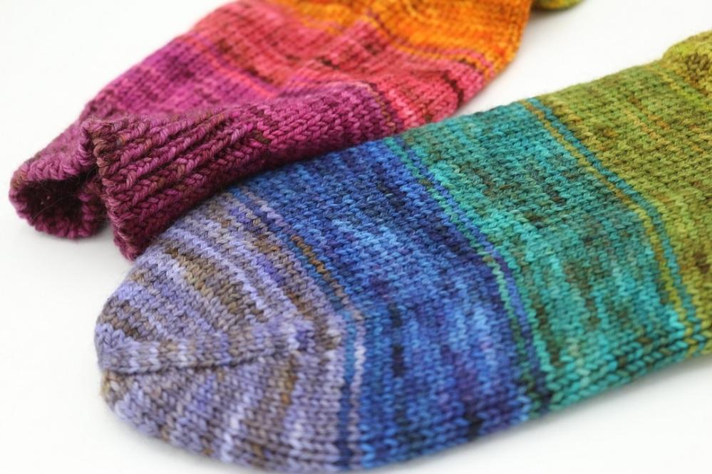 Toe Up Regenbogen Socken (9)